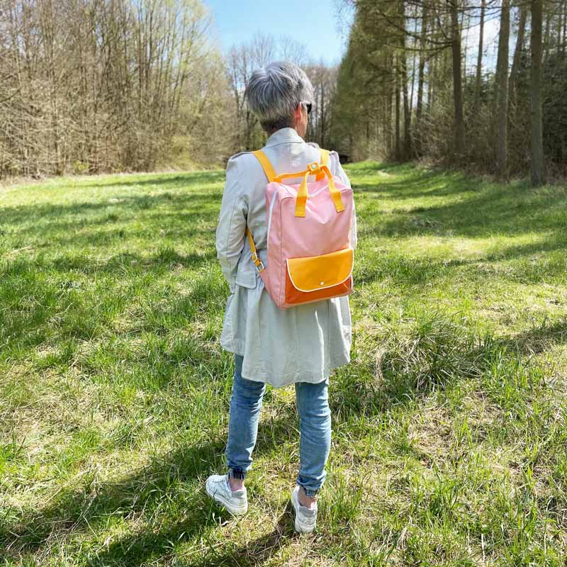 ticky_Lemon_wanderer_backpack_large_-_candy_pink_+_sunny_yellow__carrot_orange_Tragevariante-1