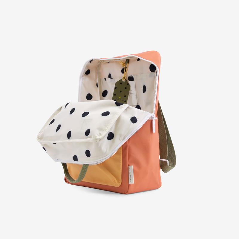 Sticky-Lemon-wanderer-backpack-larg-orange-green-yell_offen