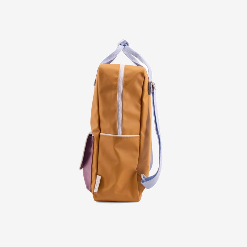 Sticky_Lemon_wanderer_backpack_large_caramell_blue_purple_seitlich